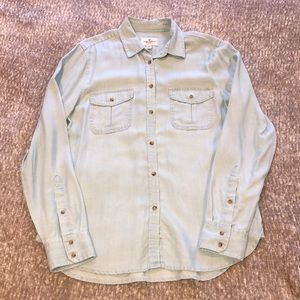 American Eagle Light Blue Chambray Button Top
